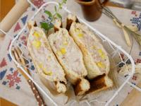 兩步驟「鮪魚玉米三明治」大人小孩都愛 ♡
