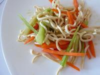 《五分鐘便當》涼拌豆皮蔬菜