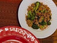 絞肉炒花椰菜