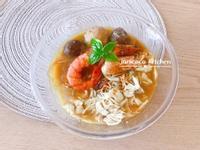 泰式料理🥭大蝦雞絲肉丸船麵