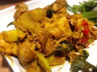萬用鍋-蠔油炒薑黃雞腿肉