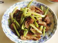芹菜炒肥腸