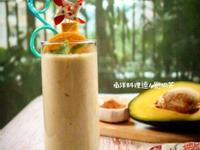 南洋料理達人劉明芳--椰糖酪梨鮮奶