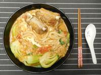 番茄排骨麵 (自製蔬菜高湯)