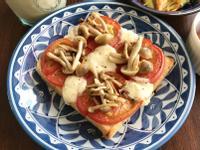 蕃茄蘑菇焗烤吐司(烤土司披薩)