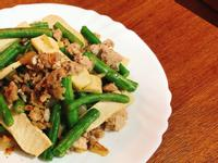 長豆豆乾炒肉