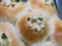 肉鬆蔥花手撕麵包