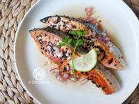芝麻煎鮭魚佐檸檬酸甜醬