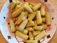 。蒜辣玉米筍。