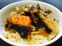 菇菇鮭魚炊飯