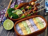 烤肉串彩米飯盒