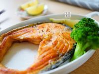 香煎鮭魚排『大人の鐵板』