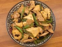 糯米椒炒豆乾肉片