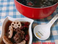 蓮藕排骨黑豆湯