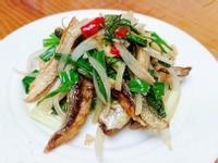 塔香洋蔥炒鹹魚