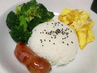 香腸花椰菜炒蛋餐