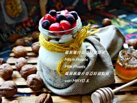 莓果麥片奇亞籽甜路杯