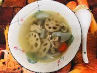 蓮藕蘿蔔雞湯