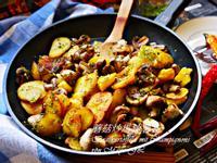 蘑菇炒馬鈴薯簽