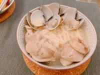 蒜頭蛤蜊雞湯麵線
