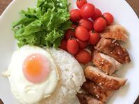 早餐吃什麼?醬燒黃金雞腿+荷包蛋早午餐