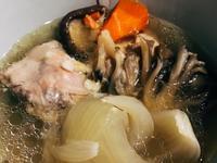 抗寒流感冒洋蔥蒜蒜菇菇雞湯-萬用鍋