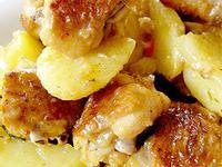 薯仔炆雞翼  Stewed Chicken Wings with Potato