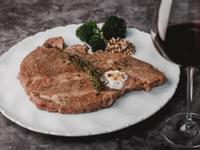 低醣料理<牛肉>法式香煎牛排佐藍紋起司醬