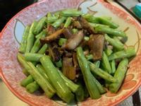 四季豆拌炒肉末菇菇