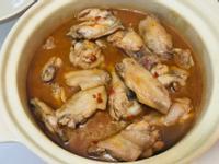 日本料理:辛味增雞翅煮