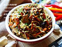 香菇紅菜頭炒麵