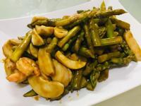 日式料理:照燒蘆筍鮮蝦杏包菇