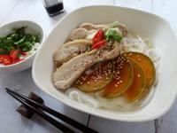 南瓜嫩雞越南河粉 [蒸氣烘烤爐]
