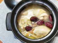 苦茶油蓮子薏仁胡椒雞湯