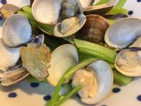 清炒芹菜蛤蜊