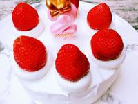 草莓蛋糕。女兒的生日蛋糕自己做