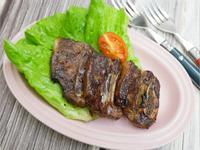 氣炸鍋「韓式牛小排」超好吃、簡單不費事。