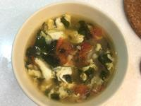 營養滿點 番茄洋蔥海帶芽蛋花湯