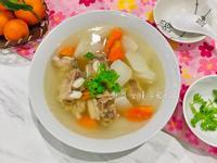牛骨蘿蔔湯