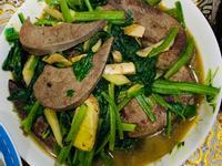麻油豬肝佐菠菜