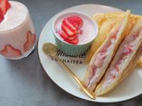 草莓西多士與草莓奶昔