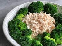 雞絲佐青花椰/低醣料理