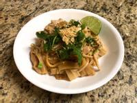 泰式炒河粉 (Pad Thai)