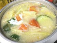 懶人料理:清新蔬菜湯