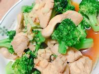 花椰菜炒雞肉