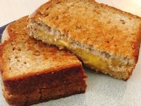 美式家常早餐—脆皮起司三明治