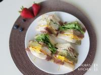 總匯三明治 (火腿、鮪魚)