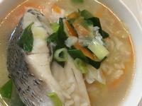 塔香鱸魚蔬菜粥