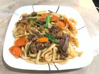 牛肉炒烏龍麵