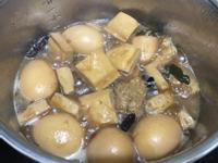 滷蛋及滷豆干